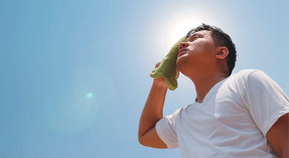 Procure evitar peças de roupas que potencializam a proliferação das bactérias causadoras da transpiração