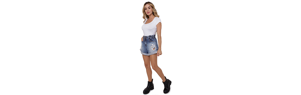 Camiseta branca básica feminina